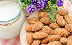Almonds-tooth-friendly-foods-and-drinks-Bradford-dentist