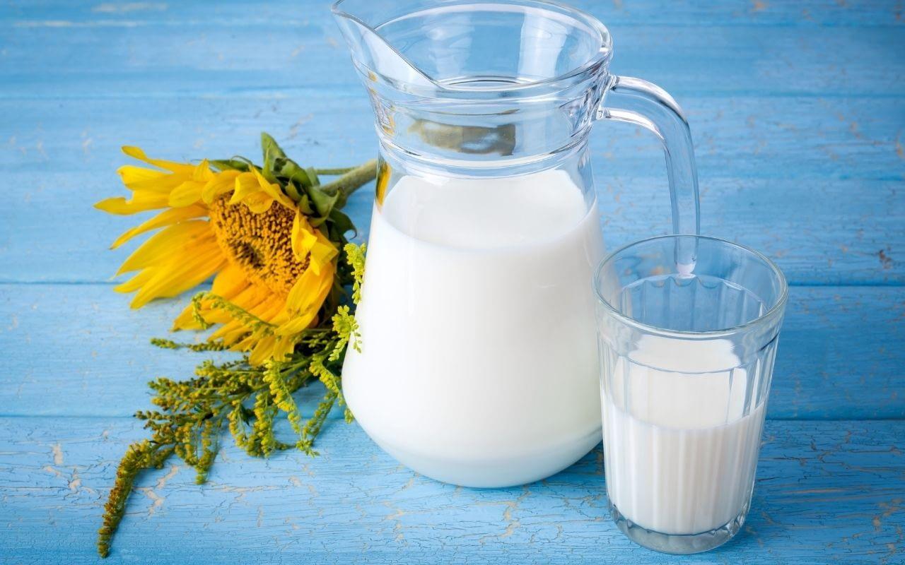 milk-foods-that-whiten-teeth-Bradford-Family-Dentistry