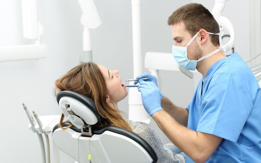 dental-hygienist-oral-health-care-team