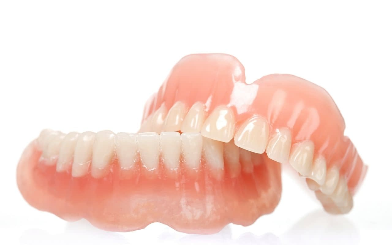 full-removable-dentures