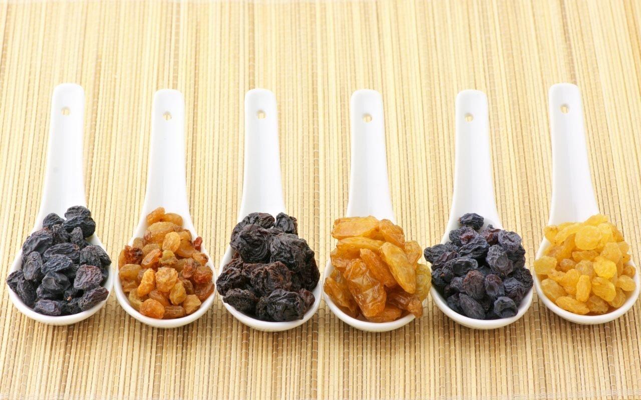 raisins-foods-that-whiten-teeth-Bradford-Family-Dentistry