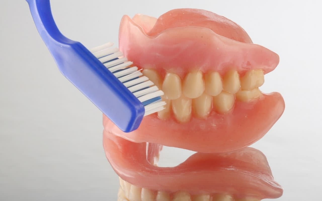 proper-care-of-dentures